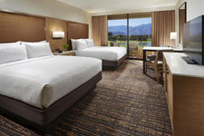 double queen room at DoubleTree Golf Resort Palm Springs Area